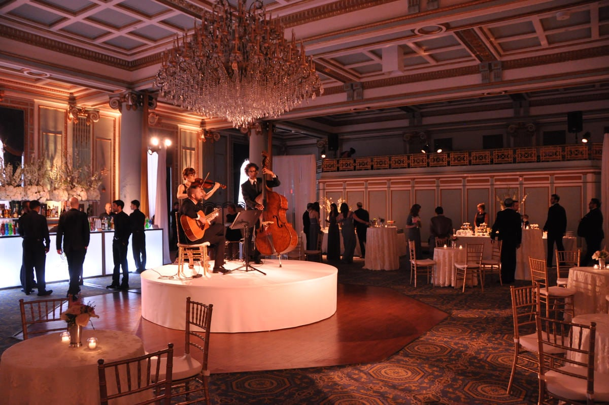 Le windsor ballrooms montreal corporate events wedding for Salon versailles 2016